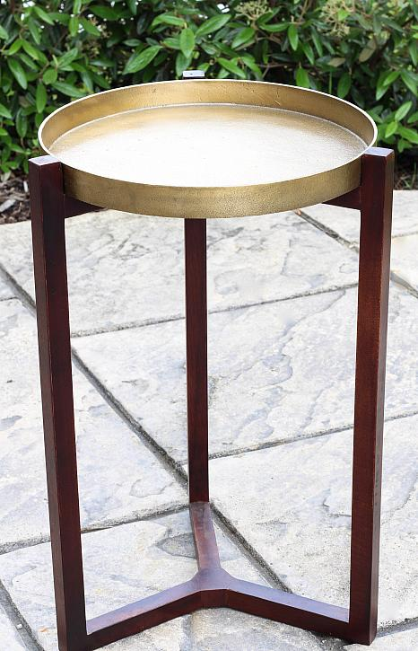 Decoart blog diy moroccan tile inspired outdoor end table for Table pouncer